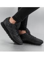 Reebok Сникеры CL Leather Quilted черный