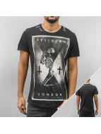 Religion t-shirt Praying Skeleton zwart
