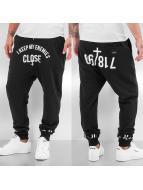 Rocawear joggingbroek Keep Enemies zwart