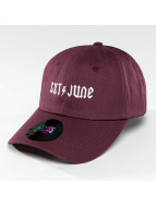 Sixth June Snapback Caps Logo purpuranpunainen
