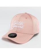 Sixth June Snapback Caps Curved Logo roosa