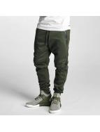 Southpole Spodnie do joggingu Tech Fleece oliwkowy