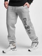 Thug Life Basic Jogginghose Old English grau