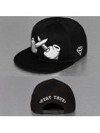 TrueSpin Snapback Cap Crossed schwarz