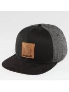 TrueSpin Snapback Caps New Velevet musta