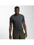 Under Armour Camiseta Left Chest Spray Gradient negro