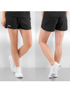 Under Armour Shorts Play Up schwarz