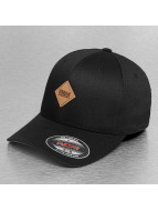 Urban Classics Flexfitted Cap Leather Patch black