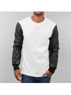 Urban Classics Pulóvre Quilt Leather biela