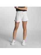 Vero Moda Shortsit vmTrue valkoinen