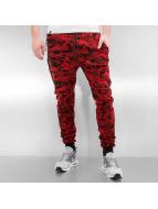 Who Shot Ya? Spodnie do joggingu Camo czerwony