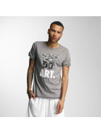Wrung Division T-Shirts Just Do Art gri