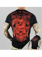 Yakuza T-skjorter Hunter And Hunters svart