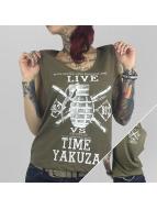Yakuza Tanktop Live Vs. Time olijfgroen