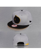 Yums Gorra Snapback New Era Classic Bands gris