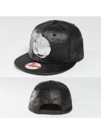 Yums Snapback Cap Metal Face black
