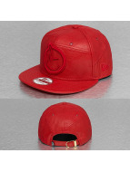 Yums Snapback Cap LUX Black Tag rosso