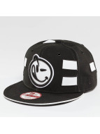 Yums Black Tag4 Couture Snapback Cap Black/White