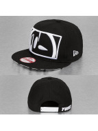 Yums snapback cap Logo zwart