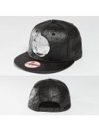 Yums snapback cap Metal Face zwart