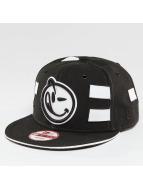 Yums Snapback Caps Black Tag4 Couture čern