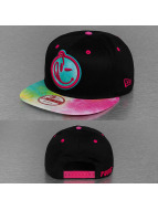 Yums Snapback Caps New Era Classic Outline czarny