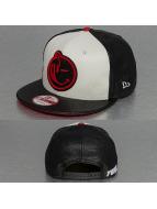 Yums Snapback Caps Jordan Classic czarny