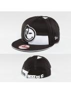 Yums Snapback Caps New era LUX Black Tag5 czarny