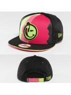 Yums Snapback Caps New Era Black Tag Torn czarny