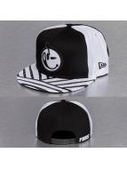 Yums Snapback Caps New Era Bohemian musta