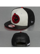 Yums Snapback Caps Jordan Classic musta