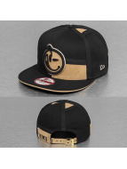 Yums Snapback Caps LUX Black Tag musta