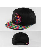 Yums Snapback Caps New Era L7 musta