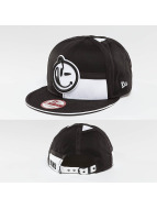Yums Snapback Caps New era LUX Black Tag5 musta