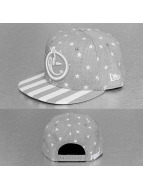 Yums Snapback New Era Classic Star Spangled gris